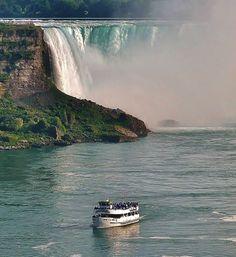 """Maid o' the Mist"", Niagara falls, Ontario"