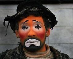 Imagens de Rostos Tristes - Bing Imagens Mime Artist, Clown Photos, Advanced Higher Art, Hiding Feelings, Send In The Clowns, Clowning Around, Circus Clown, Night Circus, Creepy Clown