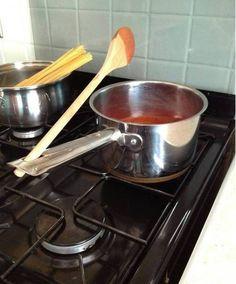 ne pas laisser la cuillère en bois tremper dans la sauce