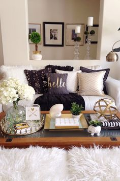 Here I've chosen gold as my accent color. This style of decorating can be easy on your budget too since your color accents can be added and changed with pillows and throws. I always find the best accent decor at HomeGoods! Sponsored by HomeGoods