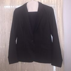 Theory Blazer Brown 100 percent wool, very soft . More like a 6 instead of an 8, runs small, fully lined. Rarely worn . Theory Jackets & Coats Blazers