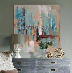 Cuadro decorativo Vertical Azul para salas modelo Vertical Azul en medida de 100x100cm. estilo abstracto expresivo, pintado a mano en técnica mixta y acrílico, el bastidor está elaborado en lienzo de algodón y madera de pino de 4.5 cm. por lo que no ocupa marco ya que los cantos u orillas van pintados, todo el fondo va con una capa ligera de textura táctil y los colores más representativos son salmón, azul, gris, negro y blanco. Living Room Interior, Interior Design Living Room, My Dream Home, Design Trends, Creative, Painting, Flower, Dance Paintings, Colorful Abstract Art