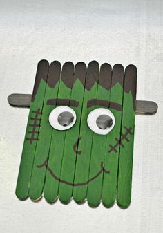 This little popsicle stick Frankenstein is perfect for crafting with your kids this Halloween. Attach a magnet and hang him on your fridge.