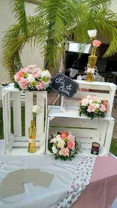 Crates to add height to your table. Chic Wedding, Rustic Wedding, Wedding Day, Reception Decorations, Birthday Party Decorations, Ideas Para Fiestas, Candy Table, Vintage Party, Rustic Chic