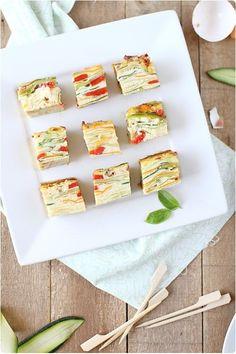 Présentée comme une terrine mais avec une consistance se rapprochant de l'omelette, cette recette est parfaite en entrée présentée en tranches ou en ap