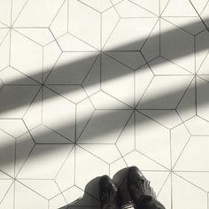 #ihavethisthingwithfloors #ihavethingswithfloors #tile #tiles #tileaddiction #tileporn #pattern #patterns #geometry #geometric #geometria #white #whiteinterior #whiteinteriors #minimal #mnml #minimal #architecturelovers #archilovers #architectureporn #filharmonia #filharmoniaszczecin #szczecin #polska #poland #polskaarchitektura #poland_architecture #arch #archdaily #archidaily #eumiesaward2015 by patrycjadembowy