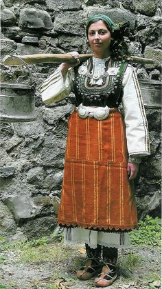 Early 20th Century, the village of Tri Vodisti, Plovdiv region according to http://www.omda.bg/public/images_more/Ethnographic_Museums/costumes/w_costume_early20C_Tri_voditzi_EMP_sm.jpg