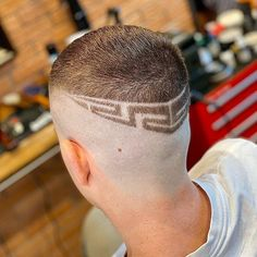• Mome 17 Barbers • (@mome17_barbers) • Instagram photos and videos Hair Art, Men's Hair, High And Tight, Mens Hair Trends, Bald Fade, Faux Hawk, Bowl Cut, Comb Over, Crew Cuts