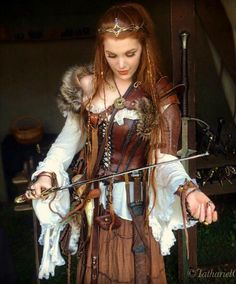 the medieval fair ✨ awesome leather work costume. Costume Renaissance, Viking Costume, Medieval Costume, Celtic Costume, Viking Cosplay, Larp Costumes, Viking Garb, Warrior Costume, Viking Dress