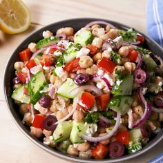 Thanks to the chickpeas, this salad will keep you full for hours. It's satisfying in a way that leafy greens never could be. Sorry we're not sorry, kale. #easyrecipe #salad #mediterranean #summer #sidedish