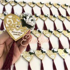Nişan hediyelikleri, pleksi magnet, magnet modelleri Henna Night, Floral Centerpieces, Laser Cutting, Floral Wedding, Wedding Favors, 3 D, Macrame, Magnets, Projects To Try
