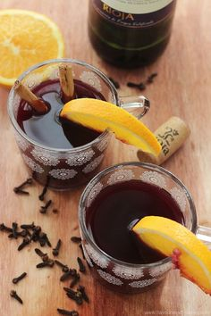 The perfect winter warmer recipe! Gluehwein: with or without alcohol...