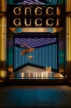 Gucci: Autumn/Winter 2015-16 | Stores and windows displays. #windowsdisplays…