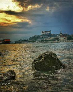 Sunset over Bratislava, Slovakia - Beautiful places for vacation and trip. Bratislava Slovakia, Sunsets, Photo S, Travel Photography, Beautiful Places, Castle, Europe, Vacation, City