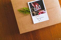 Embalagens, embrulho, natal, pacote, caixa, papel kraft, cartão, Packaging, wrapping, christmas, package, carton, kraft paper, card, box, minimalist, minimalista, donuts, Leaves, folhas, cartão, rustico, rustic,  photo, foto, fotografia, barbante, estiloso, diy, tutorial, faça em casa