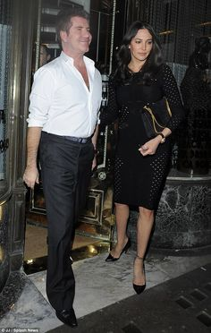 Lauren Silverman looks elegant on date night with Simon Cowell - Celebrity Fashion Trends Celebrity Style Inspiration, Fashion Inspiration, Fashion Trends, Mr Chow, Simon Cowell, Girlfriends, Dating, Saturday Night, Elegant