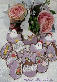 Easter cookies by Medovníčky Lubica Easter Cookies, Gingerbread Cookies, Floral Wreath, Decor, Gingerbread Cupcakes, Decoration, Ginger Cookies, Decorating, Dekorasyon