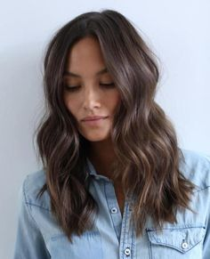 Choppy Long Haircut for Wavy Brown Hair hair 60 Chocolate Brown Hair Color Ideas for Brunettes Chocolate Brown Hair Color, Brown Hair Colors, Fall Hair Colour, Chocolate Brunette Hair, Medium Hair Styles, Short Hair Styles, Long Hair Cuts, Medium Hair Cuts Wavy, Medium Hair Waves