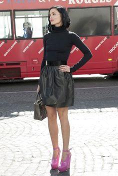 Leigh Lezark at Christian Dior Leigh Lezark, Turtleneck Style, Womens Fashion, Dior Fashion, Fashion Black, Back To Black, Front Row, Christian Dior, Style Me