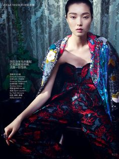 Vogue China November 2014 | Sung Hee Kim & Alexandra Elizabeth by Emma Summerton