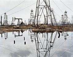 Credit: © Edward Burtynsky, London Socar Oil Fields 3, Baku, Azerbaijan, 2006:...