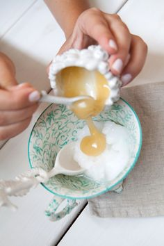 Treat yourself to a mini spa night with an easy honey hair mask that will hydrate your locks. Honey is a natural humectant, which means it retains and preserves moisture. Plus, homemade beauty treatments are a […] Coconut Oil Beauty, Coconut Oil Hair Mask, Diy Hair Mask For Dry Hair, Hair Masks, Homemade Coconut Oil, Homemade Hair, Homemade Facials, Honey Hair, Homemade Beauty Products