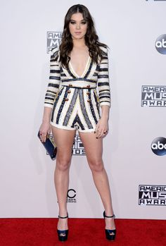 American Music Awards 2015 : les looks du tapis rouge Vanity Fair, American Music Awards 2015, Hailee Steinfeld, Almost Famous, People, Celebrity Style, Rompers, Glamour, Actresses