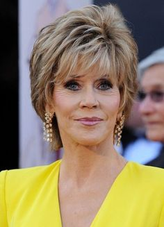 Layered Razor Cut for 2014: Short Hairstyle for Mature Women with Thick Hair