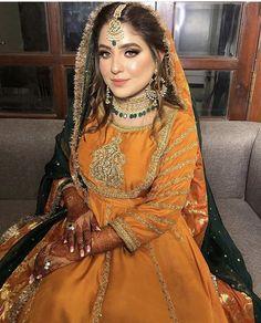 Such a stunning bride by Bridal Mehndi Dresses, Pakistani Wedding Outfits, Bridal Dress Design, Indian Bridal Lehenga, Wedding Dresses For Girls, Pakistani Wedding Dresses, Pakistani Dress Design, Bridal Outfits, Indian Dresses