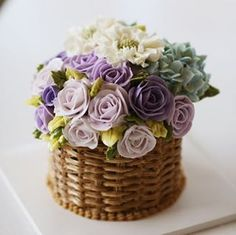 Chinese student's work.. Basket style flower cake... #koreanbuttercream #2 #instagood #cake #cakeicing #buttercream #flowers #flowercake # #flower #buttercreamflowers #flowercake #kissthecake #blossom #basketcake #bastet #케익 #케이크 #플라워케이크 #꽃 #버터크림 #키스더케이크 #버터플라워케이크 #버터크림플라워케이크