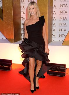 Wow: Kate Garraway looked sensational at the National Television Awards at London's 02 Are. Uk Fashion, Fashion Beauty, Pastel Gown, Mrs Browns Boys, Davina Mccall, Katie Piper, Charlotte Hawkins, Kate Garraway, Strapless Dress Formal