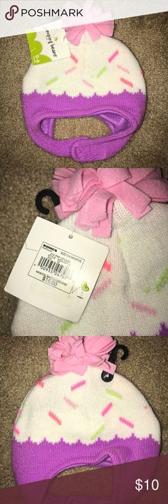 Brand New Infant Cupcake Winter Hat Cupcake design winter hat. BNWT. Never worn. Jumping Beans Accessories Hats