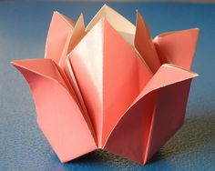 Rosa | Tecnica: origami, con foglio unico quadrato Autore: F… | Flickr