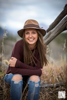 Anna Pope's Senior Portraits in Durango Colorado Photographed by Allison Ragsdale Photography