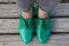 Precio original: $120 //Web precio: $105 Envío gratuito en todo el mundo  Oxford de ▶▶▶ Bangi zapatos ◀◀◀  Un zapato oxford increíble hecho de cuero de alta calidad. con un 1.6cm/0.6 talón. El forro está hecho de cuero vegan super fuerte y una ligera suela de EVA. Este zapato de oxford cabe todas las estaciones y puede ser utilizado como casual o elegante accesorio.  Colores disponibles ★★★ ★★★ Azul: http://etsy.me/1tOQ1Oy Brown: http://etsy.me/UO2...