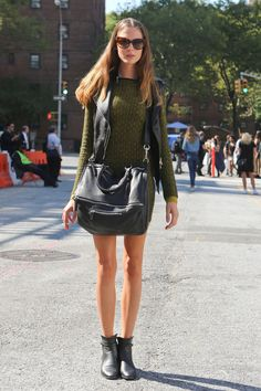 From cheerstovogue.tumblr.com  love the bag and green sweater