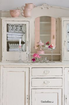 Kitchen Dresser | Flickr - Photo Sharing! (Shop und Showroom http://www.suendenherz.de/ )