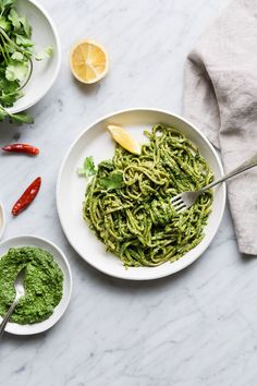 Nut-Free + Vegan Superfood Pesto - The Green Life Healthy Pastas, Healthy Snacks For Kids, Healthy Dinner Recipes, Healthy Eating, Eating Clean, Healthy Food, Vegetarian Pesto, Vegetarian Recipes, Sweet Potato Noodles