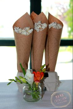 Decorazioni per party, idee riciclo con confezione delle uova trasformato in un divertente porta pop corn. www.bonappetitmama.it