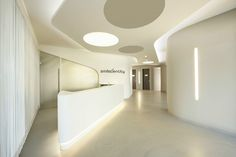 Smiledentity, A Minimalist Dental Clinic Made In .- Smiledentity, Una Clinica Dentale Minimalista Realizzata In HI-MACS® – Picture gallery Smiledentity, A Minimalist Dental Clinic Made In HI-MACS® – Picture gallery - Medical Office Design, Office Space Design, Healthcare Design, Clinic Interior Design, Clinic Design, Dental Reception, Reception Areas, Office Waiting Rooms, Hospital Design