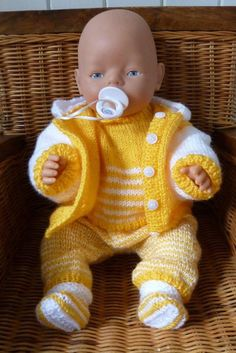 Polemischer stricken Baby Born Clothes, Girl Doll Clothes, Knitting Dolls Clothes, Doll Clothes Patterns, Boy Baby Doll, Baby Dolls, Baby Cardigan Knitting Pattern Free, Baby Knitting, Baby Born Kleidung