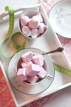 Homemade Raspberry Marshmallows (adapted from Alton Brown).