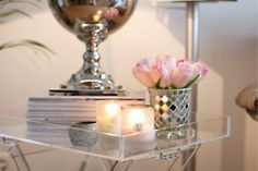 Lucite tray table from Zara Home, roses in mosaic vase, candles Vintage Glam, Side Table Styling, Tray Styling, Lucite Tray, Lucite Table, Décor Boho, Home Bedroom, Bedrooms, Master Bedroom