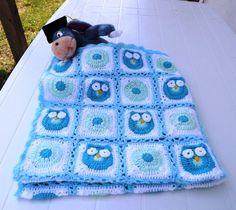 crochet+owl+blanket | Crochet Owl Baby Blanket. Granny square, Light blue, light green, baby ...