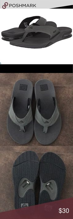 83a56e324605 NWOT Reef Men s Flip Flops Size 7 NWOT Reef Fanning Men s Flip Flops.  Features a bottle opener built into the footbed.