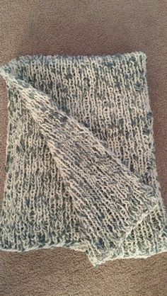 Wool blend throw  Bulky yarn, needles #15