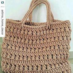 Marvelous Crochet A Shell Stitch Purse Bag Ideas. Wonderful Crochet A Shell Stitch Purse Bag Ideas. Free Crochet Bag, Crochet Shell Stitch, Crochet Clutch, Crochet Diy, Crochet Handbags, Crochet Purses, Crochet Bags, Crochet Crafts, Crochet Baskets