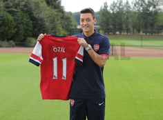 ~ Mesut Ozil officially unveiled by Arsenal FC ~