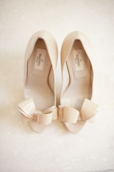 Super sexy and cute bow-tie pumps. Adorable.