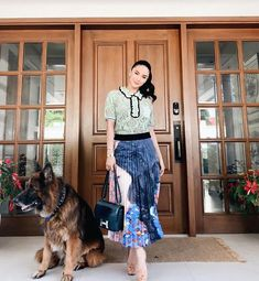 """Every new day is a chance to play dress up and I love it! 👗💞 Today, I'm wearing my favorite lace blouse with the """"Enchant"""" skirt from the… Heart Evangelista Style, Modern Filipiniana Gown, Filipino Fashion, Corporate Attire, Professional Attire, Chic Outfits, Office Outfits, Elegant Outfit, Rock"""